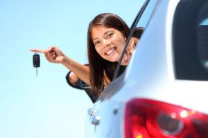 Führerschein für Auto und Motorrad machen in der Fahrschule Oscar in Deutsch, Englisch oder Spanisch